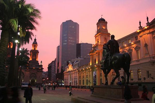 plaza_de_armas_santiago_chile_photo_wiki